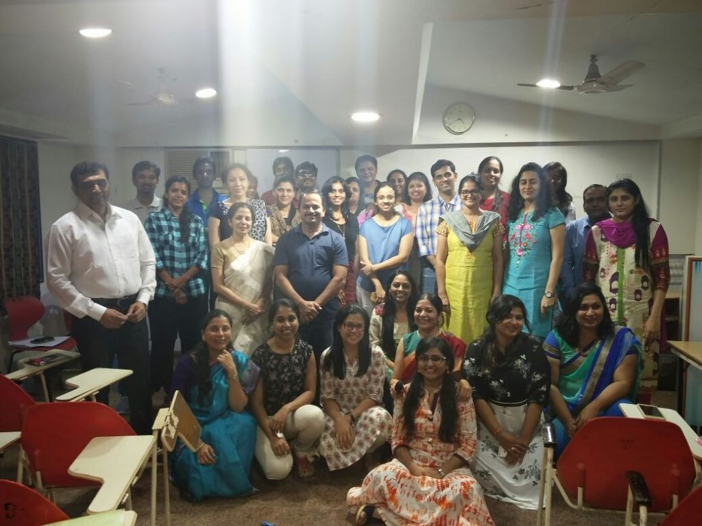 The doctors and the participants of the workshop