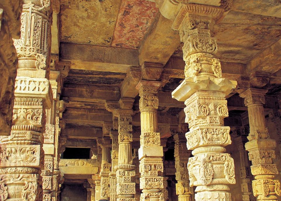 Stunning historical monuments in Delhi