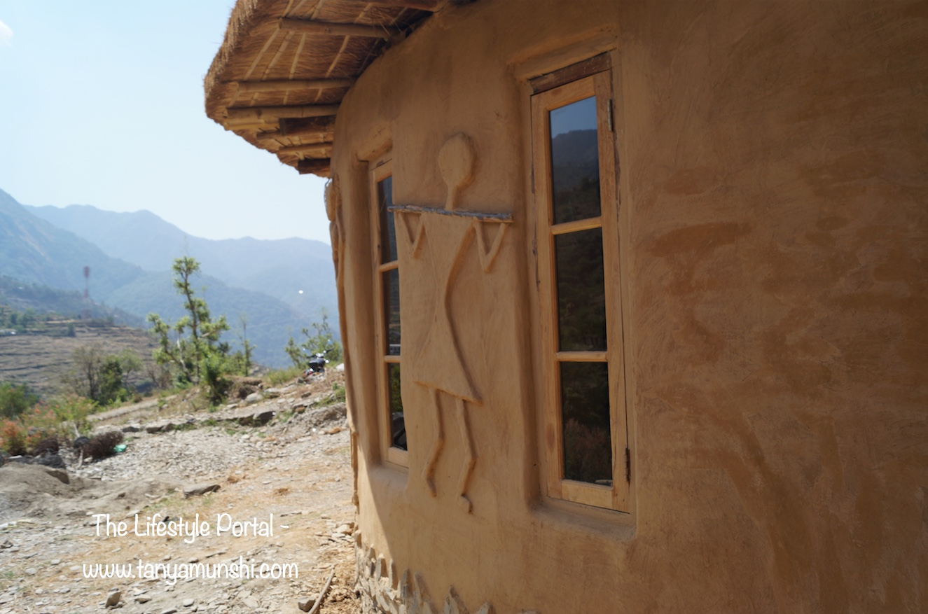 Earthbag Gol Ghar - Handsculpted at Geeli Mitti