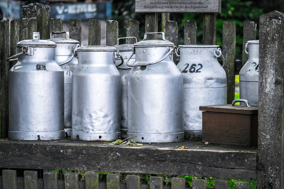 milk-cans