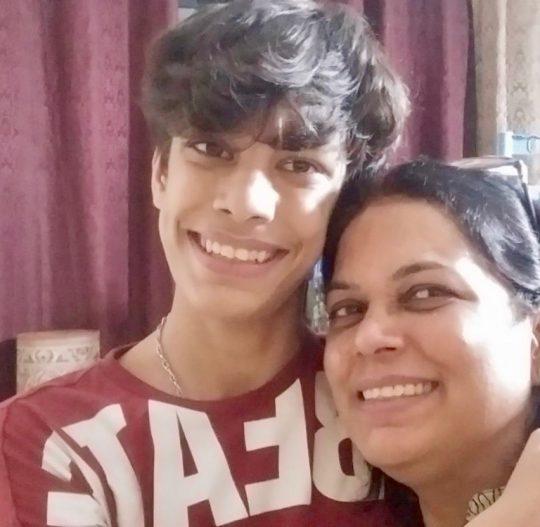 Chanda, Anubhav's super mom!